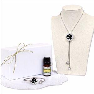 Jewelry - Heart Aromatherapy Necklace and Bracelet Gift Set